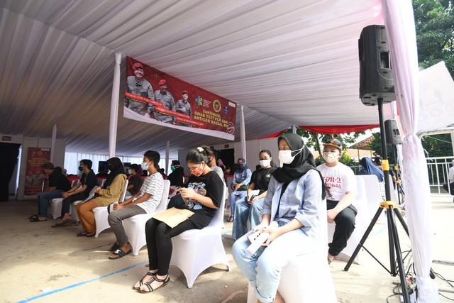 BIN Gelar Vaksinasi untuk Anak Usia 12-17 Tahun di Kembangan, Jakbar (65549)