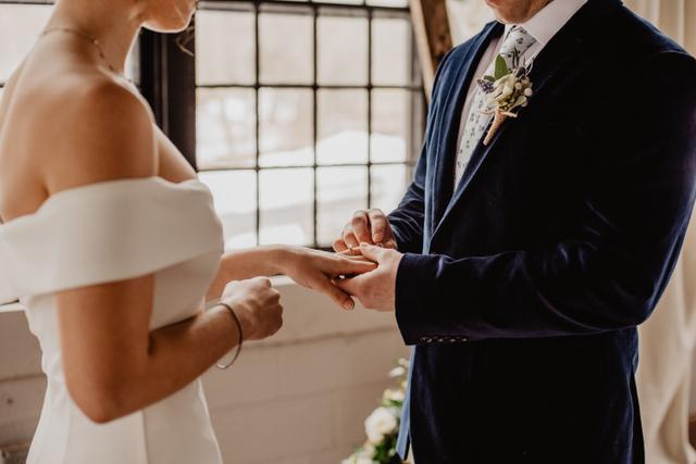 Mimpi Menikah dengan Orang Lain, Kenali 4 Artinya Berikut! (471507)