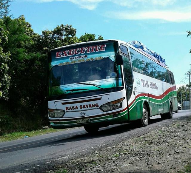 Berita Menarik: Kendaraan Bebas Pajak; PO Bus dengan Rute Melewati 4 Pulau (160679)