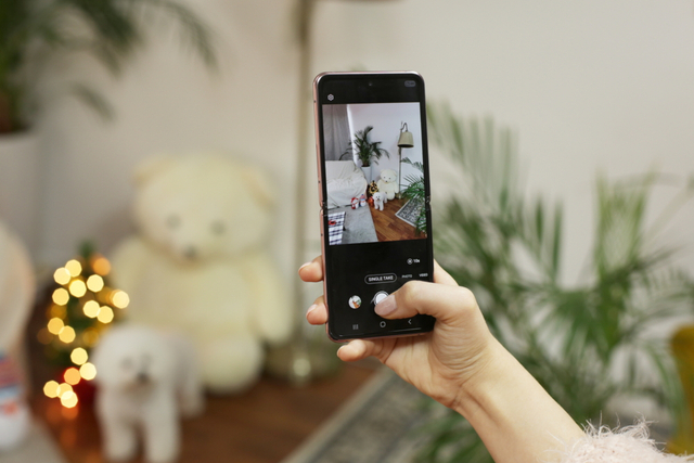 Tingkatkan Kreativitas Fashionmu di Dunia Digital dengan Samsung Galaxy Z Flip (47957)