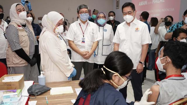 Ketum Kadin: Vaksinasi Harus Segera Diselesaikan untuk Perang Lawan Pandemi (72919)