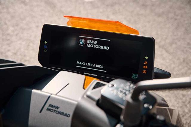 Motor Listrik BMW CE 04 Resmi Meluncur, Bisa Dipacu hingga 130 Km/Jam! (887368)