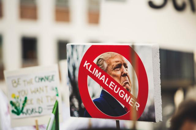 Kosmopolitanisme dan Gerakan Aktivisme Transnasional Mogok Sekolah Demi Iklim (729184)