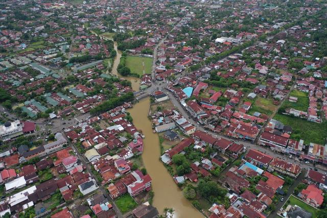 Foto Udara: Banjir Rendam Permukiman di Kecamatan Darul Imarah, Aceh Besar (78270)