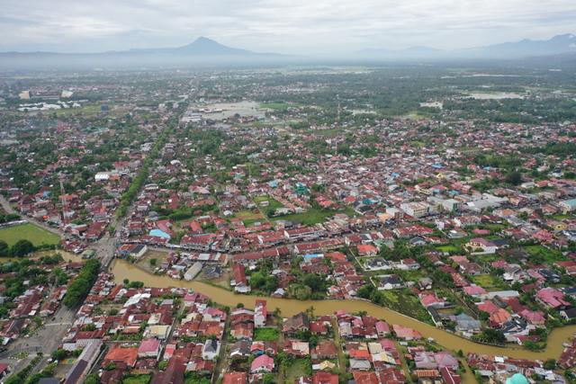 Foto Udara: Banjir Rendam Permukiman di Kecamatan Darul Imarah, Aceh Besar (78272)