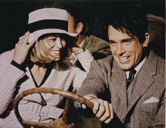 3 Fakta Menarik Bonnie and Clyde, Pasangan Romantis yang Mematikan! (62269)