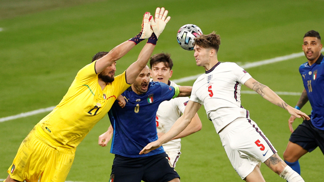 Ini Alasan Jorginho Tak Dikartu Merah Usai Injak Jack Grealish di Euro 2020 (137219)