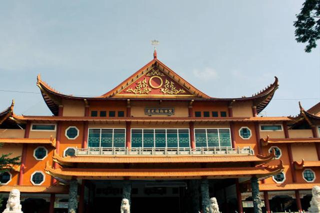 Mengenal 4 Macam Tempat Ibadah Budha dan Perbedaannya (438760)