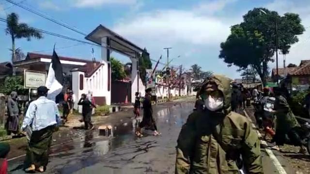 31 Orang Diamankan saat Aksi Bela Habib Rizieq di Tasikmalaya Ricuh  (91238)