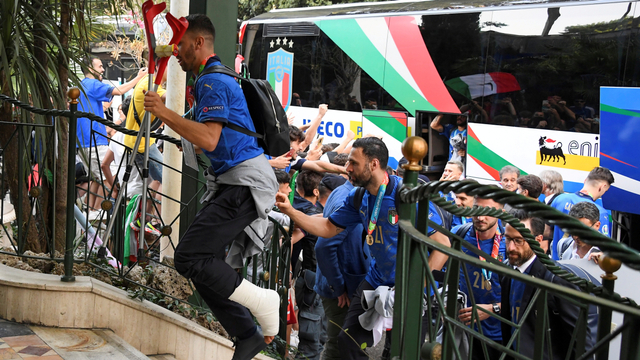 Arti Tangisan Leonardo Spinazzola saat Cedera Lawan Belgia di Euro 2020 (768700)