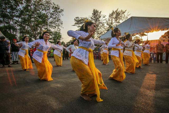 Faktor Penyebab Keberagaman Masyarakat Indonesia dalam Budaya (83118)