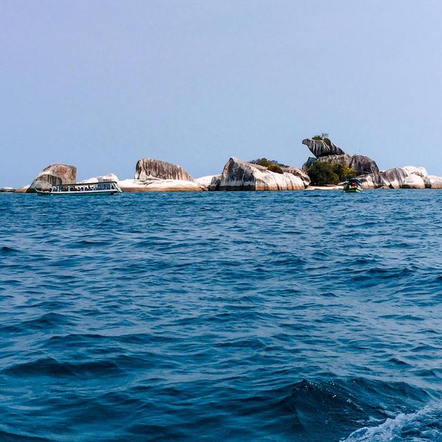 Menjelajahi Kepulauan Belitung (83770)