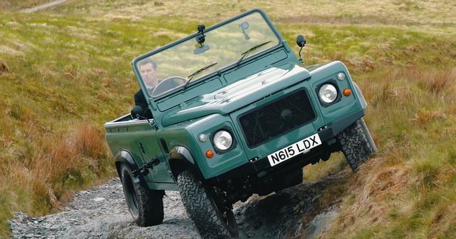 Ketika Land Rover Defender Disuntik Motor Listrik Tesla (33123)