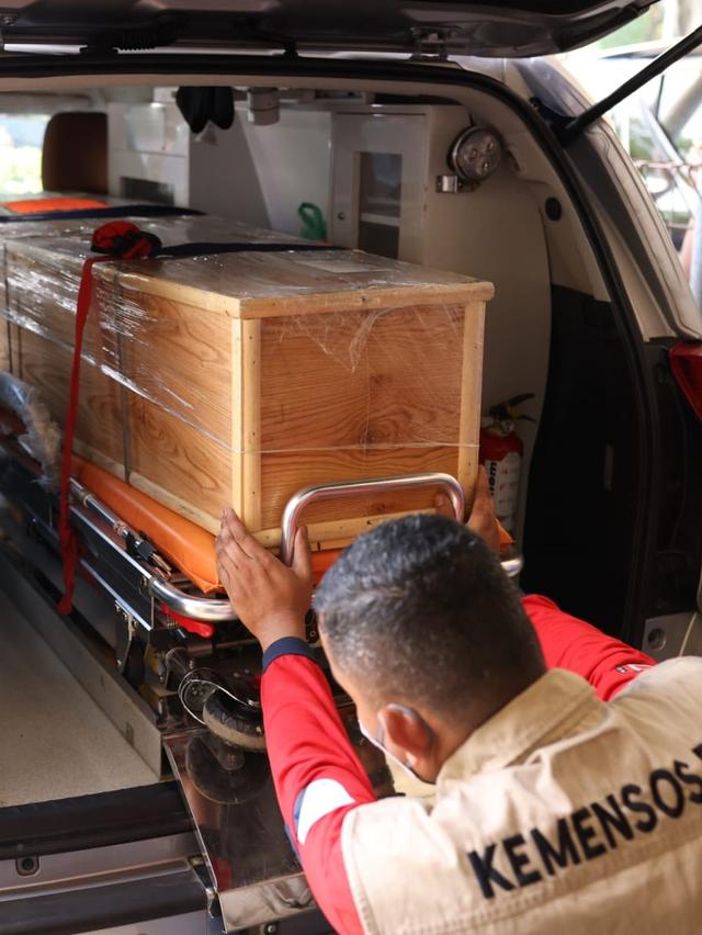 Sambut Jenazah Septia Ulfa Lestari, Istri Gubernur: Masyarakat Aceh Berduka (243272)