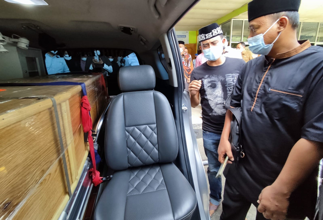 Sambut Jenazah Septia Ulfa Lestari, Istri Gubernur: Masyarakat Aceh Berduka (243276)