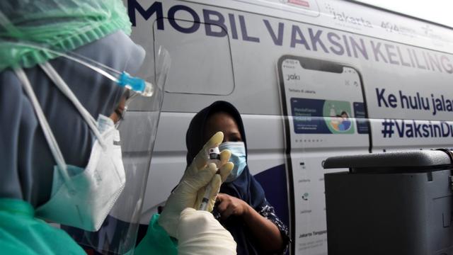 Vaksinasi di DKI Sempat Turun 11 Juli, Hanya 18.148 Warga Divaksin Dosis Pertama (23541)
