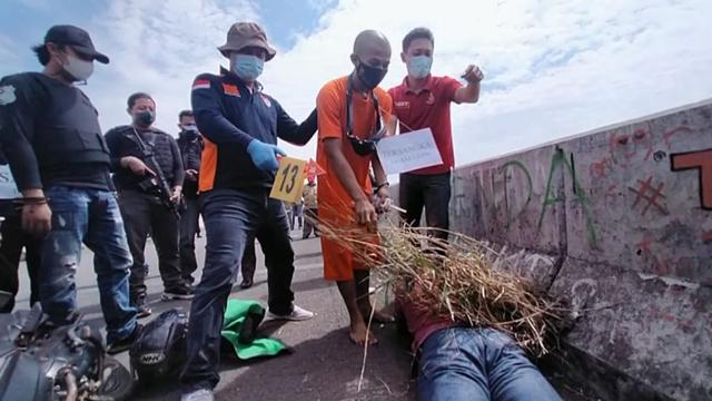 Kasus Ojol Dibunuh Begal di Brebes Direkonstruksi, Pelaku Jalani 24 Adegan  (310)