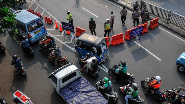 Berita Populer: Ini Etika Nyetir Mobil di Tol; SIM C Moge dan Motor Listrik (226974)