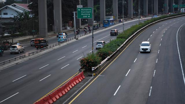 Menteri PUPR: Trafik Jalan Tol Trans Jawa Turun 40 Persen Saat PPKM Darurat (880257)