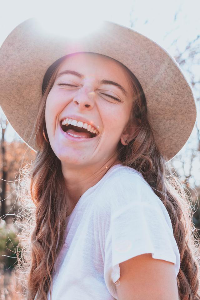 Tak Selalu Berarti Bahagia, Ini Makna Senyuman bagi Kamu Berdasarkan Zodiak (144688)