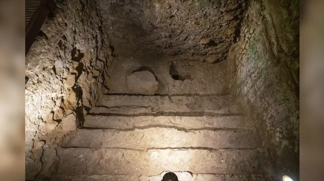 Arkeolog Temukan Bangunan Megah Era Romawi di Bawah Tembok Barat Israel (62318)