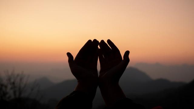 Doa Terhindar dari Fitnah Dunia, Biar Terhindar dari Api Neraka (31677)
