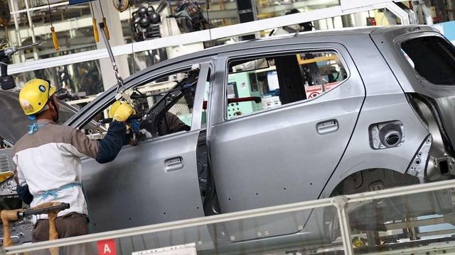 Berita Menarik: Warna Baru Yamaha Vixion R; Hyundai Staria Meluncur di Indonesia (46989)