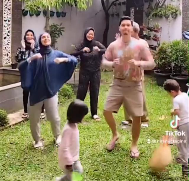 Potret 5 Selebritis Tanah Air saat Berolahraga Bersama Keluarga (321208)