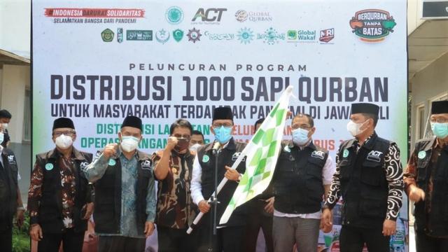 1.000 Sapi Kurban Hadir untuk Masyarakat Terdampak Pandemi di Jawa-Bali (793683)