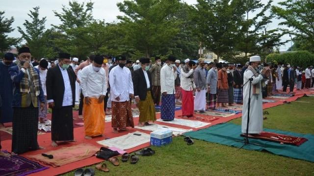 Wali Kota Palu Larang Jemaah Bawa Anak-anak saat Pelaksanaan Idul Adha  (997125)
