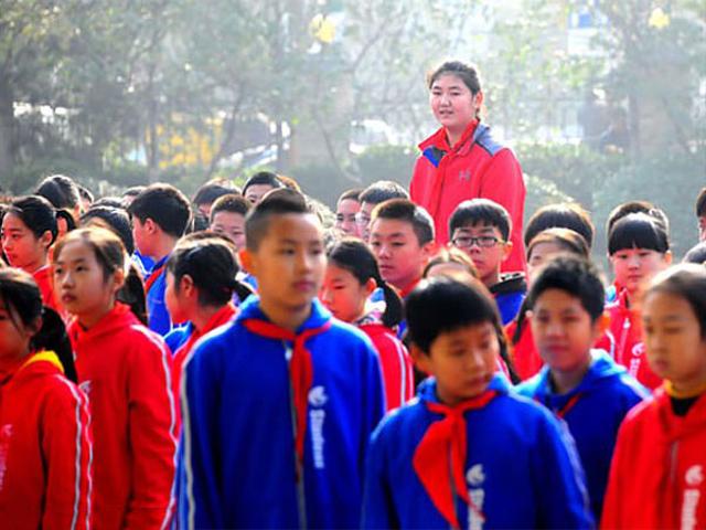 Fakta Zhang Ziyu, Gadis 14 Tahun yang Viral karena Tingginya Lebih dari 2 Meter (30341)