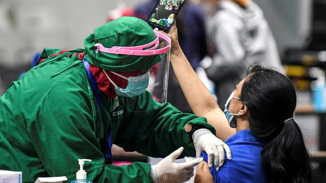 Stok Vaksin di Sumbar Habis, Pemprov Ajukan Penambahan 150.000 Dosis Vaksin (2684)