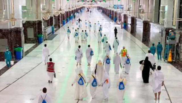 Jemaah Haji 2021 Mulai Berdatangan ke Masjidil Haram, Begini Suasananya (274947)