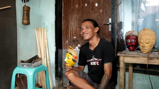 Promosi Kesenian Topeng, Tim KKN UM Desa Kemantren Buat Video Dokumenter (147482)
