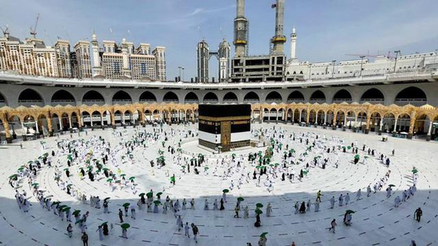 Jemaah Haji 2021 Mulai Berdatangan ke Masjidil Haram, Begini Suasananya (274946)