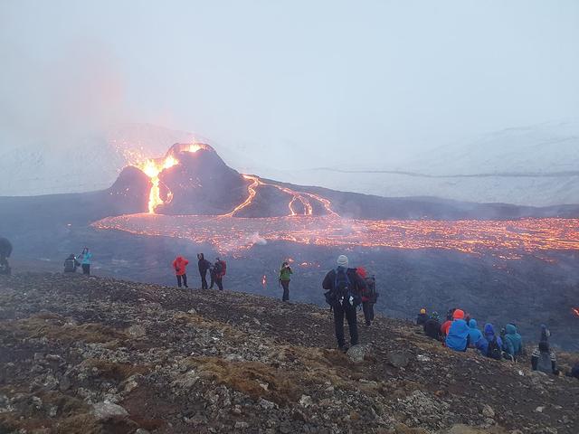 Mirip Tugas Sekolah, Lava Gunung Berapi Fagradalsfjall Memang seperti Bohongan (70866)