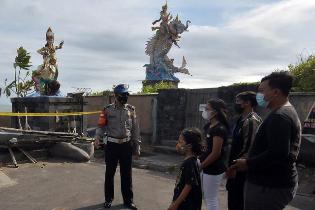 Polisi Longgarkan Pos Penyekatan Selama PPKM Level 3 di Bali (480480)
