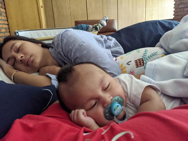Momen 7 Seleb Memotret Istrinya Saat Tidur, Jahil tapi So Sweet (262731)
