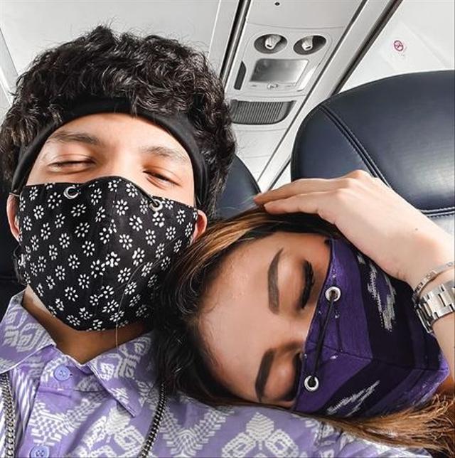 Momen 7 Seleb Memotret Istrinya Saat Tidur, Jahil tapi So Sweet (262733)