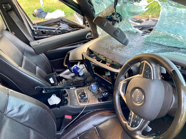 Kecelakaan Jeep Grand Cherokee di Tol Kanci, Ringsek dan Airbag Tak Mengembang (489839)