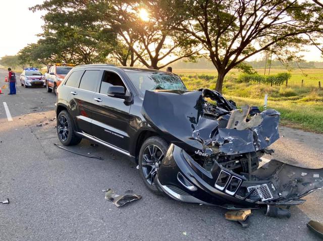 Berita Menarik: Airbag Jeep Grand Cherokee Tak Mengembang; Bedah Sasis Hino RK8 (39058)