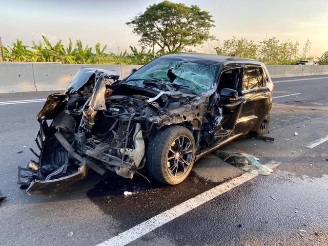 Berita Menarik: Airbag Jeep Grand Cherokee Tak Mengembang; Bedah Sasis Hino RK8 (39059)