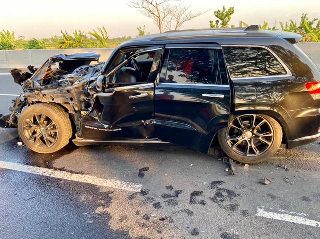 Berita Populer: Kecelakaan Nahas Jeep Grand Cherokee; Bedah Sasis Hino RK8 (90300)