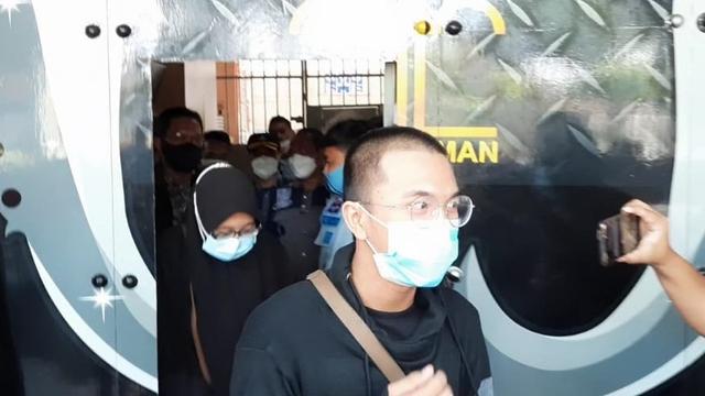 Pemilik Kafe di Tasikmalaya yang Langgar PPKM Darurat Bebas, Sempat Digunduli  (30816)