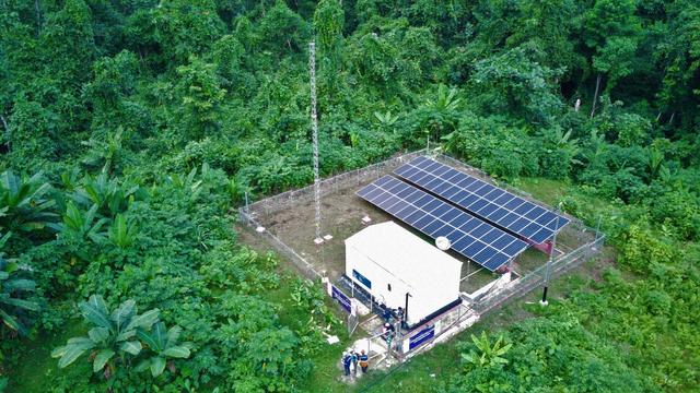 Manfaatkan Tenaga Surya, PLN Kebut Pembangunan Listrik Desa Terpencil di Papua (42944)