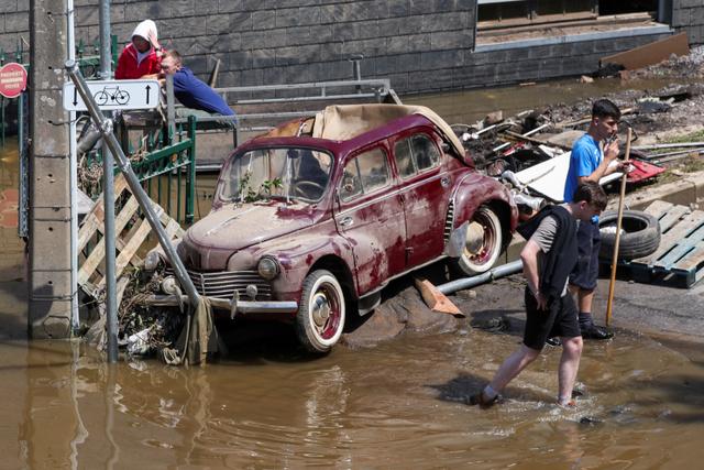 31 Orang Tewas dan 163 Hilang dalam Banjir Besar di Belgia (100743)