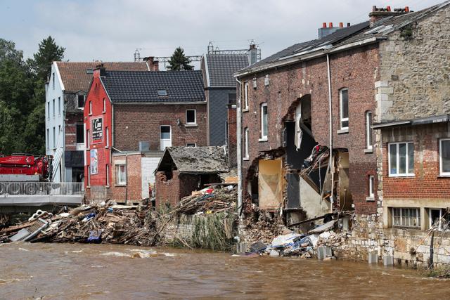 31 Orang Tewas dan 163 Hilang dalam Banjir Besar di Belgia (100744)