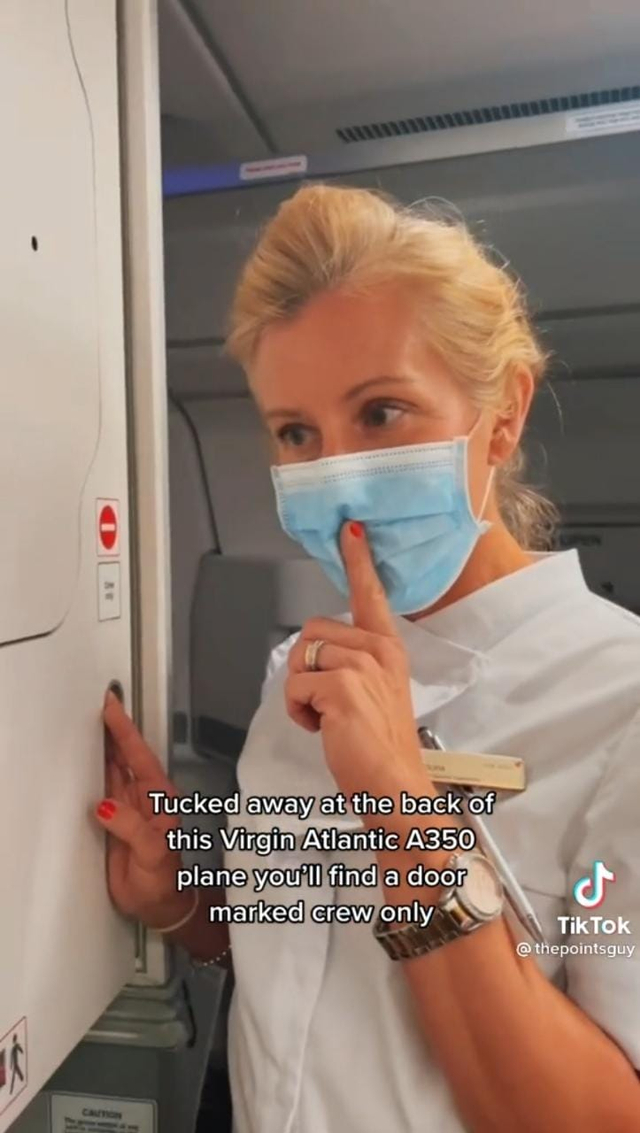 Terungkap! Ternyata Begini Penampakan Ruang Istirahat Para Pramugari di Pesawat (270056)