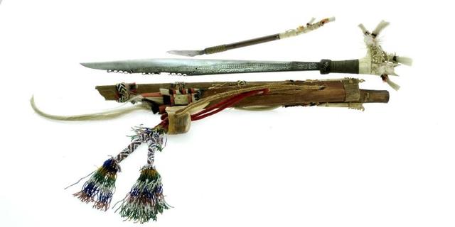 Senjata Tradisional Kalimantan Barat, Ini 3 Jenisnya (18023)
