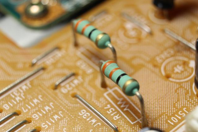 Fungsi Resistor Tetap dan Ciri-cirinya (98562)